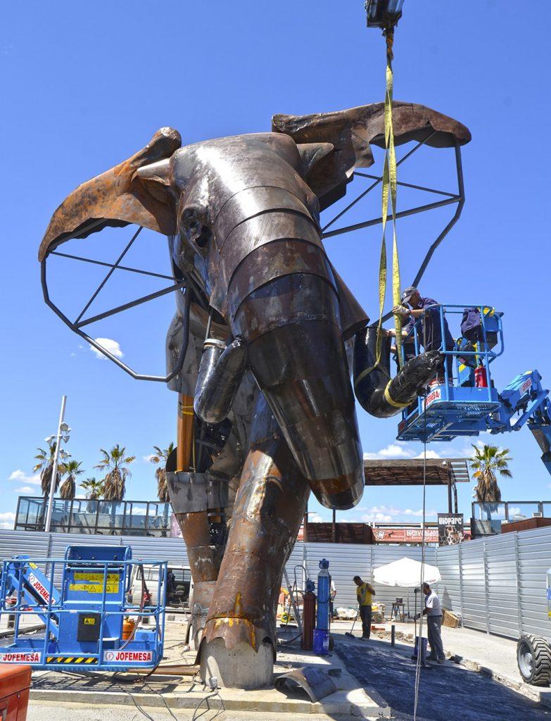 majestuoso elefante de la plaza de BIOPARC Valencia se llamará ...
