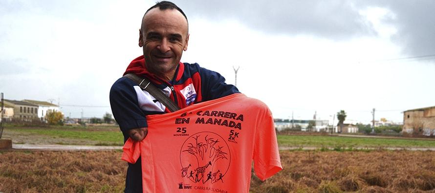 Ricardo Ten presenta la camiseta oficial de la 6ª Carrera en Manada de BIOPARC Valencia