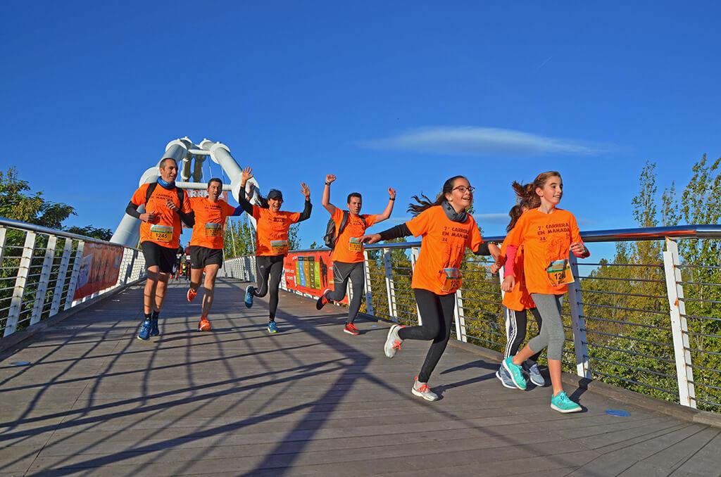Una manada naranja y solidaria corre la 7 Carrera en Manada de BIOPARC