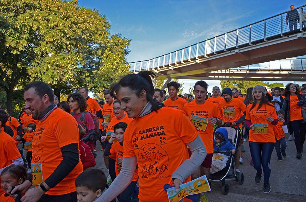 Una manada naranja y solidaria corre la 7 Carrera en Manada de la Fundación BIOPARC