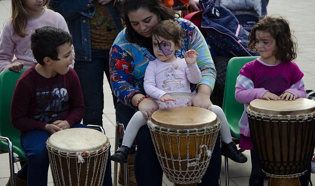 Taller de percusión en el Poblado de las Jaimas