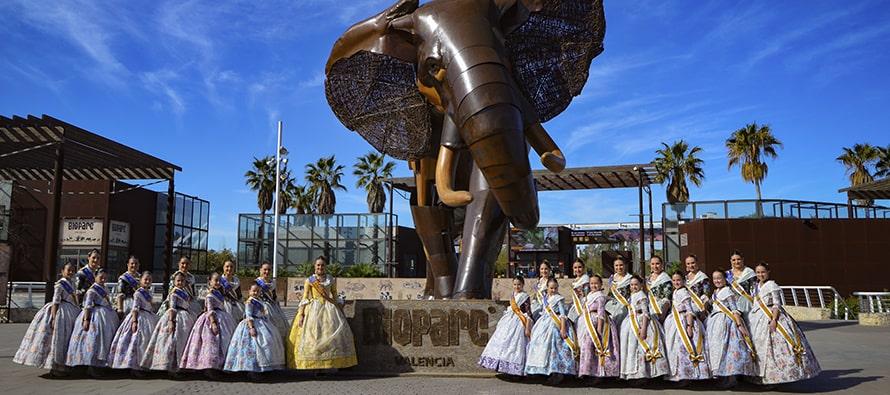 Las Falleras Mayores de València celebran el 12º aniversario de BIOPARC